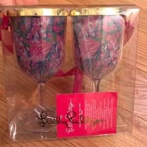 Iily Pulitzer drink ware cups *like new*